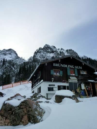 Zur Bründlingalm schneeschuhwandern in Ruhpolding