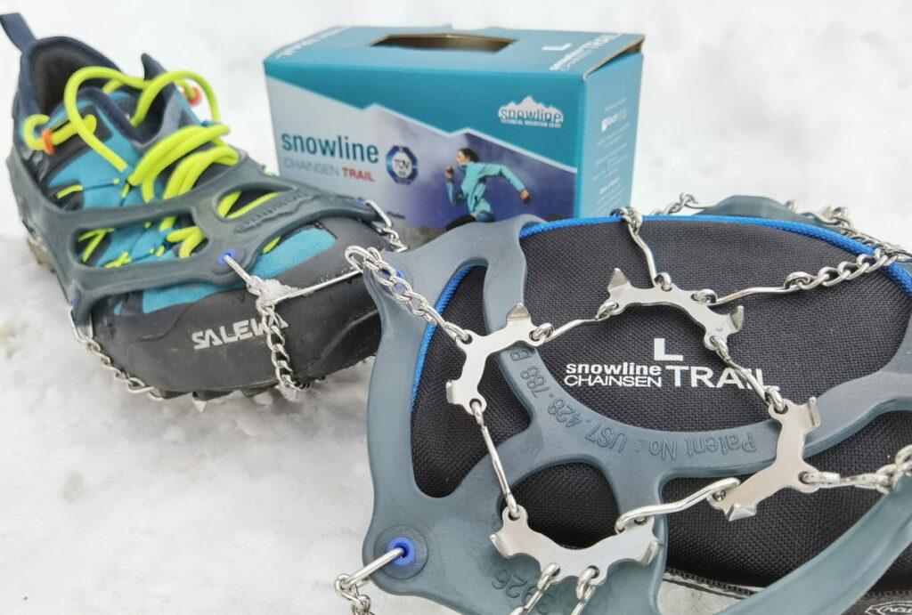 Solche Grödel helfen dir für einen sichern Tritt bei deiner Frühlingswanderung - Eis, Schnee & Matsch!