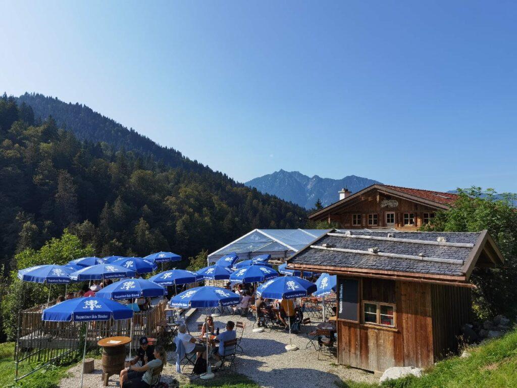 Zur Kaiserschmarrn Alm in Deutschland wandern, oberhalb von Garmisch Partenkirchen