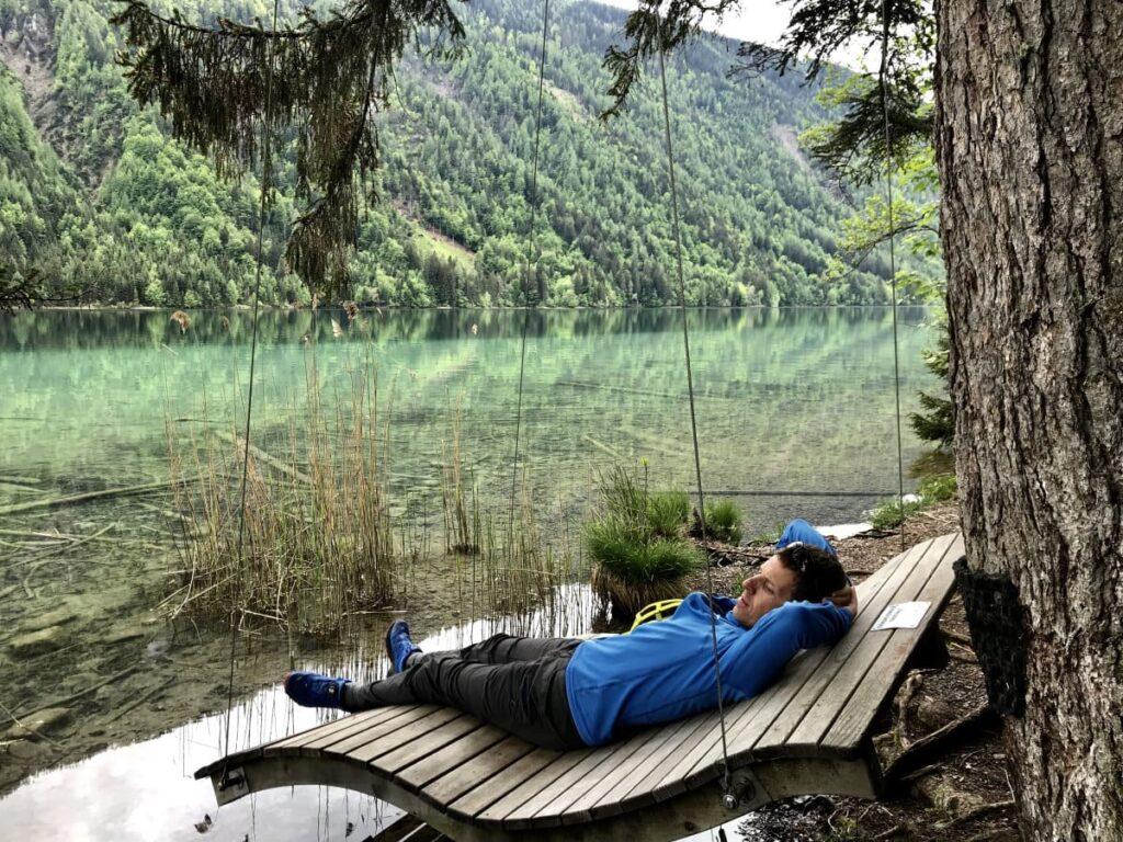 Frühlingswanderung am Weissensee - mit der besonderen Schaukel zum Entspannen