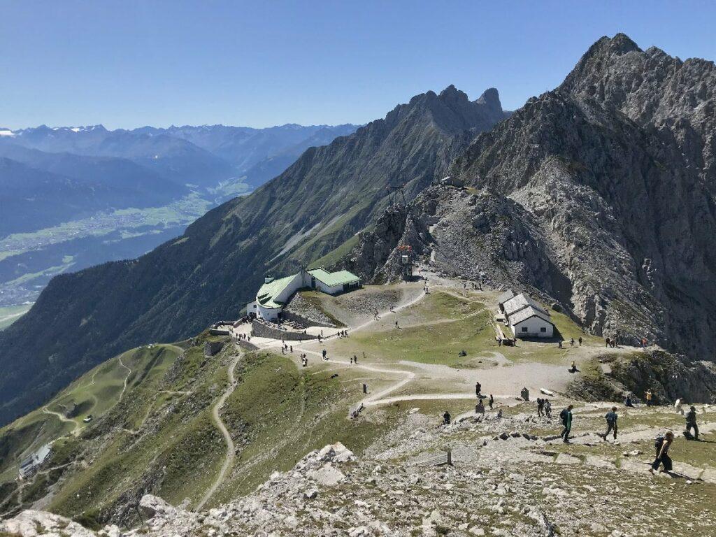 Sehr sonnige Herbstwanderung in Innsbruck: Auf dem Goetheweg im Karwendel