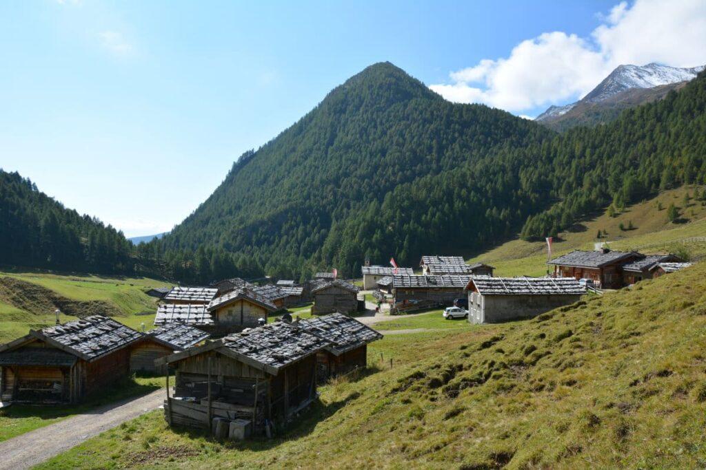 Herbstwanderung Südtirol - zur urigen Fane Alm