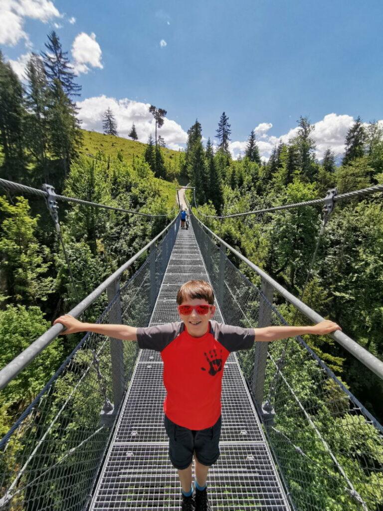 Wandern Deutschland kann imposant sein - die Hängebrücke bei der Tannenhütte