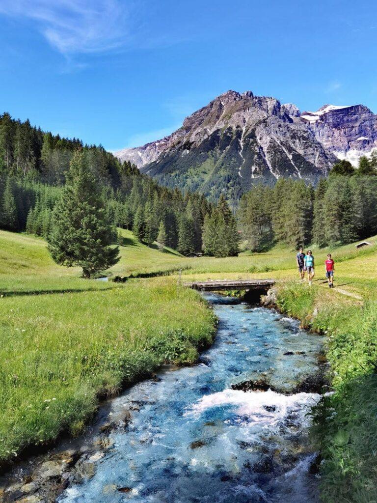 Österreich wandern? Diese Idylle findest du am Obernberger See