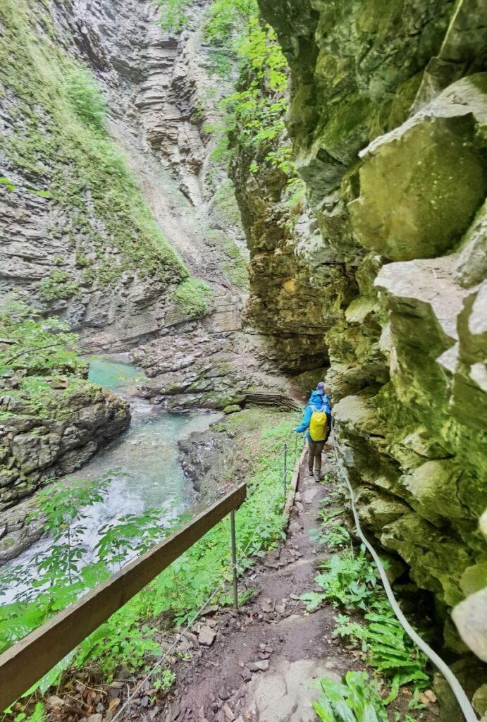 Üble Schlucht Abstieg - Vorsicht, es ist steil und der Weg rutschig